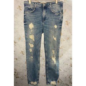 Zara Distressed Jeans Size 4